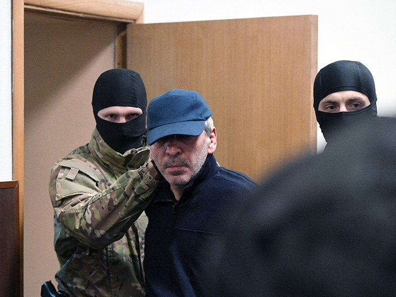 Временно исполняющий обязанности председателя правительства Республики Дагестан Абдусамад Гамидов в Басманном суде Москвы по обвинению в мошенничестве