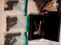 ВИДЕО обысков в особняке врио главы правительства Дагестана Гамидова: нашли пистолеты, автоматы и золотой ТТ