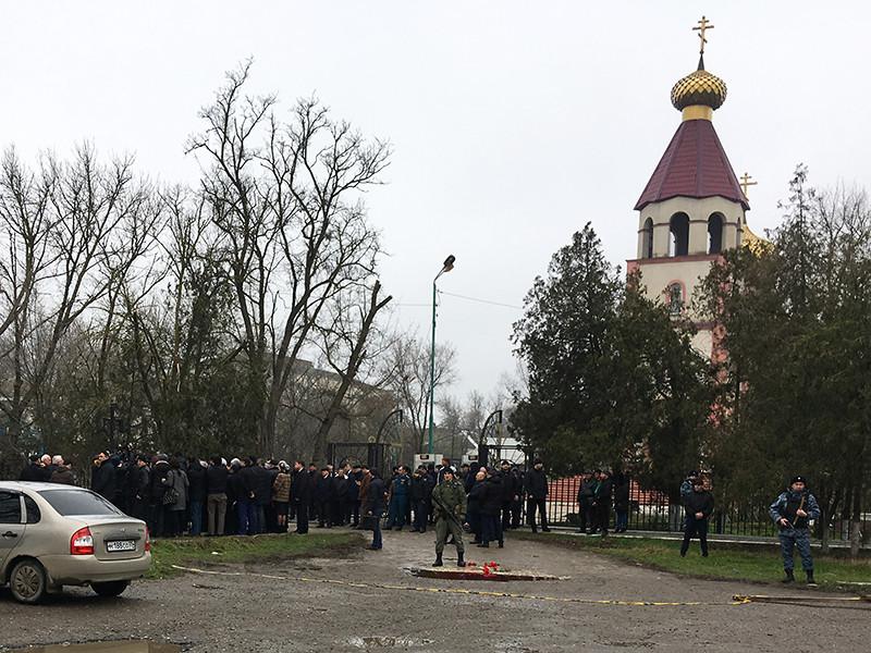 После нападения на храм в Кизляре силовики задержали двух местных жителей. Родственники не знали об их судьбе несколько дней