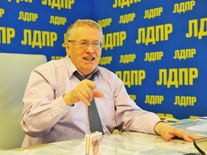 Жириновский пообещал проверить, домогается ли депутат Слуцкий журналисток парламентского пула
