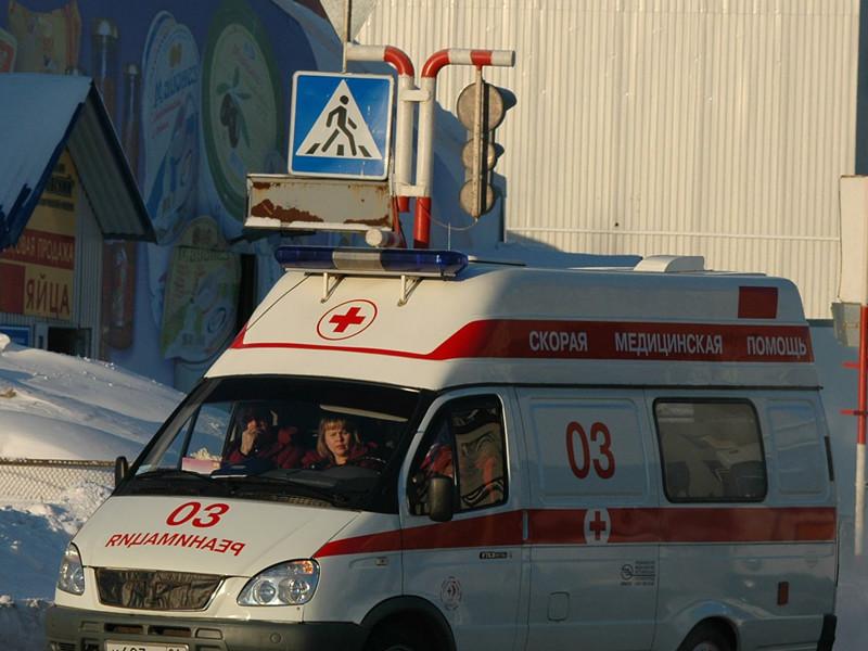 В школе N1 города Спас-Деменск Калужской области ученик 7 класса, вооруженный кухонным ножом, напал на своего одноклассника. В результате инцидента потерпевший школьник отделался легкими ранения, а напавший на него подросток госпитализирован