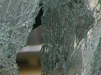 В Калуге сотрудник ДПС, не получив документы водителя, выбил в автомобиле стекло (ВИДЕО)