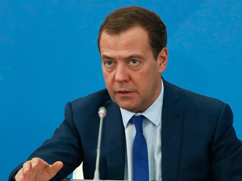Медведев назвал постыдным решение МОК о недопуске оправданных российских олимпийцев в Играм в Пхенчхане