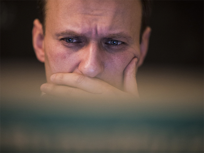 """Администрация YouTube по предписанию Роскомнадзора потребовала от оппозиционера Алексея Навального удалить видео трансляции передачи """"20:18"""" на канале """"Навальный Live"""""""