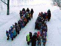 Детский омбудсмен в Волгоградской области проведет проверку после флешмоба с детьми на коленях в снегу