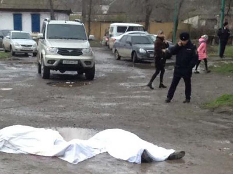 В больнице после нападения на храм Георгия Победоносца в дагестанском Кизляре, жертвами которого стали пять человек, остаются четверо пострадавших. Две женщины находятся в реанимации в тяжелом состоянии