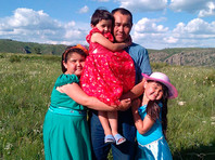 Житель деревни Янтышево Юлай Бикбов,спас из огня троих детей