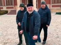 В Чечне СМИ обвинили в травле разыскиваемого Турлаева. Он покаялся и теперь может быть примером для детей
