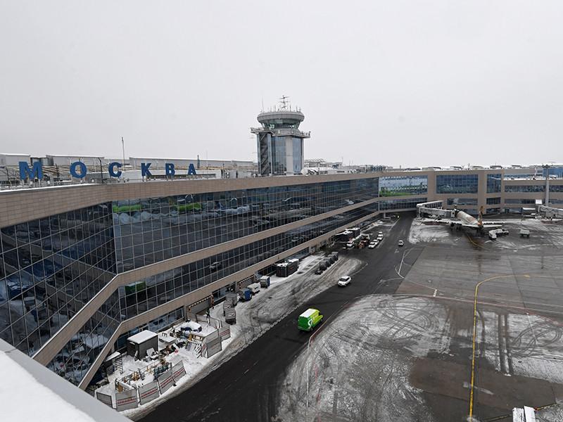 """СК начал проверку после приземления в """"Домодедово"""" самолета с лопнувшим шасси"""