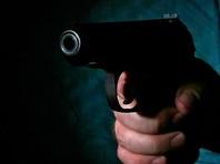 В Дагестане сотрудник патрульно-постовой службы Абдулла К. застрелил 28-летнего сержанта Росгвардии Магомеда Н. и 24-летнего сотрудника ЧОП Казима С. По неподтвержденным данным, погибшие шантажировали молодого человека записью, на которой он продает марихуану