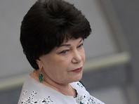 """Глава семейного комитета Госдумы призвала """"девочек-журналисток"""" не ходить к депутатам  """"с голыми пупками"""""""