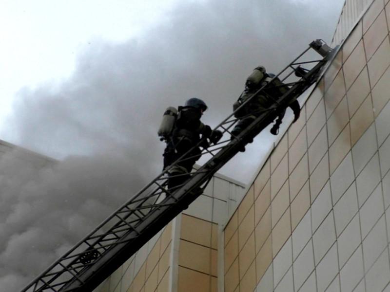 После пожара в Кемерове власти регионов РФ пообещали проверки торгово-развлекательных центров