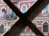 Ответная высылка дипломатов: из здания генконсульства США в Петербурге начали выносить мебель