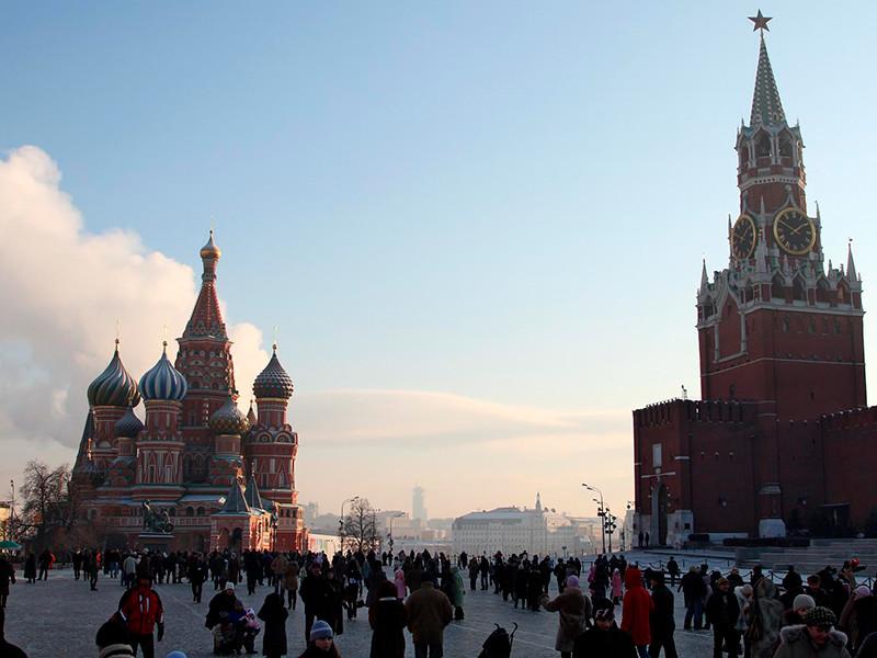 На Красной площади напротив Кремля появился виртуальный билборд с цитатой  взащиту геев