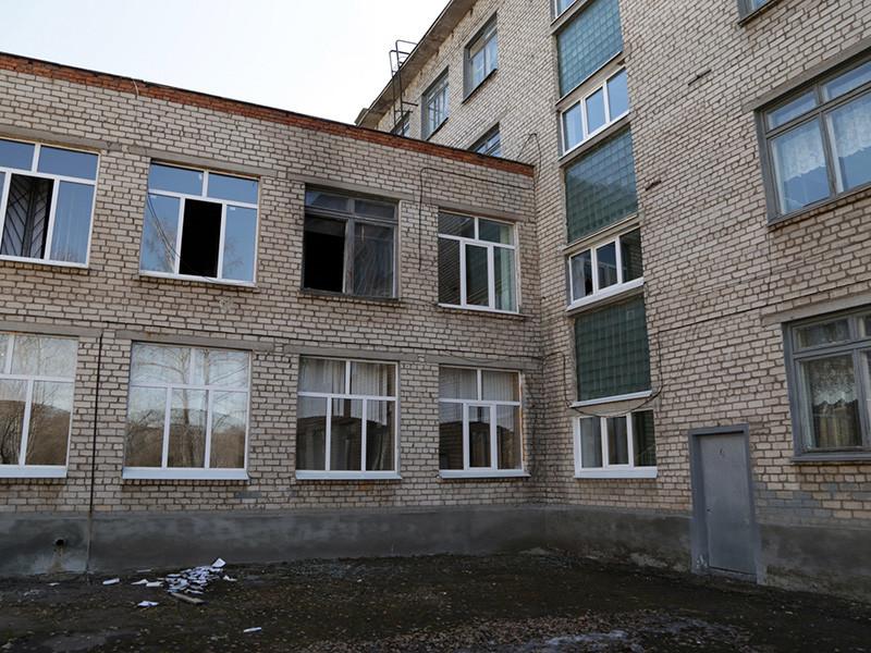 Нападение в Стерлитамаке произошло 18 апреля. По предварительным данным СК РФ, его совершил 17-летний ученик коррекционного класса общеобразовательной школы N1