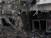 """Владельцы и арендаторы торговых помещений в кемеровском ТРЦ """"Зимняя вишня"""", где при пожаре 25 марта погибли 64 человека, обратились к местным властям с просьбой не сносить все здание этого комплекса"""