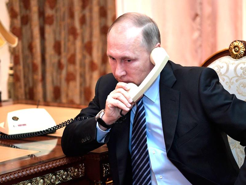 """Путин заявил, что новая атака США на Сирию обернется """"хаосом в международных отношениях"""". Об этом пресс-служба Кремля сообщила по итогам телефонного разговора Путина с президентом Ирана Хасаном Рухани"""