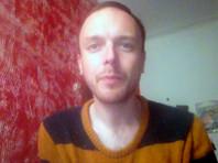 Больной ВИЧ активист приковал себя к дубу и облился боярышником по совету Петра Толстого