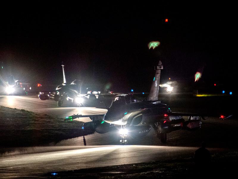 Ранее в аккаунте Елисейского дворца было размещено видео взлета авиации для выполнения сирийской миссии