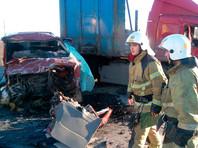 В Вологодской области при столкновении микроавтобуса с грузовиком погибли семь человек