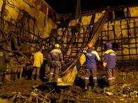 Очаг возгорания находился на верхнем этаже здания ТЦ, где размещались несколько кинозалов и детские игровые зоны с аттракционами. Следствие рассматривает две версии произошедшего - короткое замыкание и поджог
