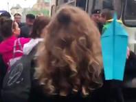 На Лубянке задержали активистов, запускавших бумажные самолетики в знак протеста против блокировки Telegram