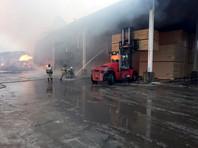 Пожар на деревообрабатывающем складе под Петербургом охватил 2000 кв. м