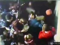 """Житель Кемерово Игорь Востриков, потерявший в пожаре всю семью, показал новое видео, снятое время эвакуации в ТЦ """"Зимняя вишня"""""""