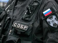 """Силовики в Петербурге сорвали концерт панк-групп: несколько  участников  """"слегка получили по ребрам"""", есть задержанные"""