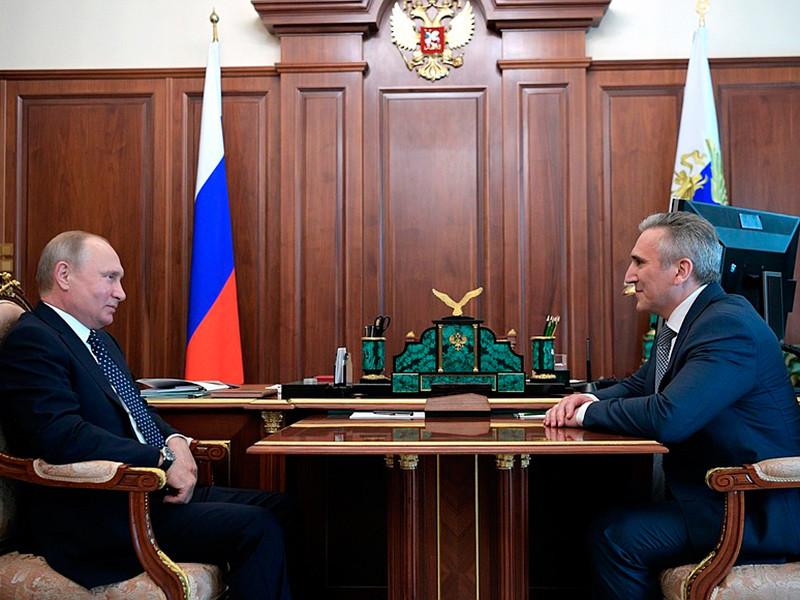 Президент России Владимир Путин принял в Кремле мэра Тюмени Александра Моора и назначил его временно исполняющим обязанности губернатора области