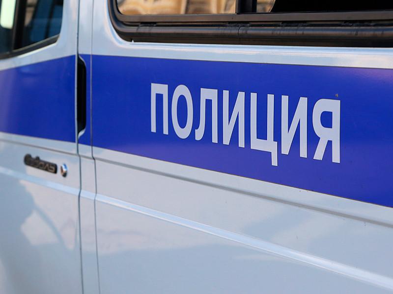 """В столице Удмуртии Ижевске задержали двух активисток штаба Алексея Навального за надпись на асфальте """"Долой царя"""""""