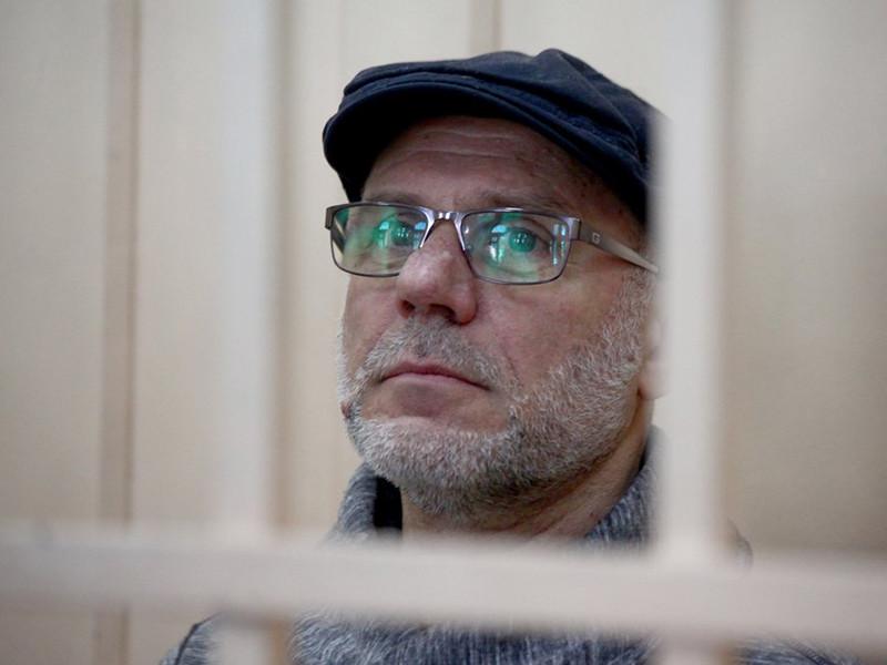 """На бывшего гендиректора """"Гоголь-центра"""" Алексея Малобродского, госпитализированного накануне из зала суда в городскую клиническую больницу N20, снова надели наручники"""