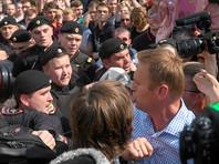 Навальному вменили неповиновение полиции