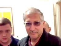 У руководителя Ростехнадзора по СЗФО Григория Слабикова изъяли денег более чем на миллиард рублей. К оценке десятков элитных часов и ювелирных украшений следователь еще не приступил