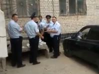 Полицейский опубликовал ВИДЕО обеда в ужасных условиях своих коллег, прибывших в Волгоград на время ЧМ-2018