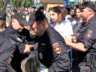 """Участнику акции """"Он нам не царь"""" в Калуге при задержании сломали руку"""