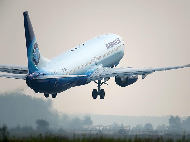 """Пассажирский Boeing 737 авиакомпании """"Алроса"""" днем в воскресенье прервал взлет из петербургского аэропорта Пулково"""
