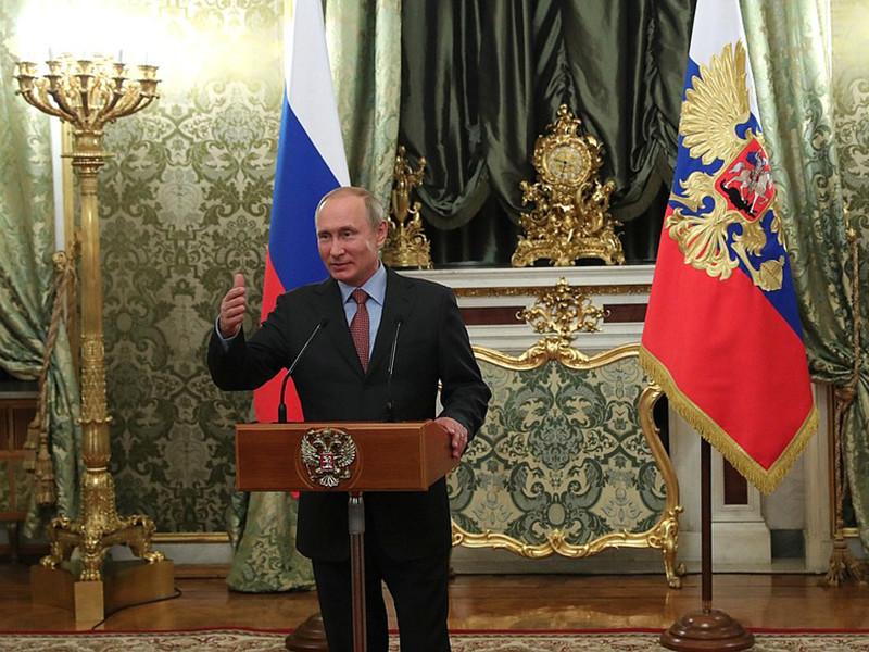 """Путин через день после жестких разгонов митингов похвалил правительство за """"открытость и настрой на диалог"""" с людьми"""