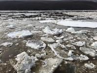 В Якутии ожидается дальнейшее ухудшение ситуации с весенним паводком из-за оттаивания одновременно нескольких северных рек. Режим чрезвычайной ситуации уже введен в трех районах республики