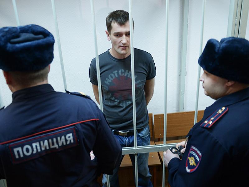 """Олега Навального, который отбывает 3,5-летнее наказание по делу """"Ив Роше"""" и должен выйти на свободу уже почти через месяц, вновь поместили в штрафной изолятор"""