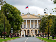 Здание Смольного института в Санкт-Петербурге