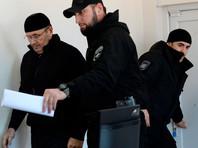 """Глава чеченского отделения правозащитного центра """"Мемориал"""" Оюб Титиев, обвиняемый в хранении наркотиков, на заседании Старопромысловского районного суда Грозного, 6 марта 2018 года"""