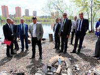 """Мэр Красноярска возмутился количеством мусора на острове Молокова: """"Можно определить, сколько оргазмов было"""""""