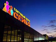 """В Ноябрьске потушили торговый центр """"Семья"""". Площадь пожара составляла более 2000 кв. метров"""