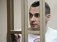 Осужденного в России украинского режиссера Олега Сенцова, с 14 мая держащего бессрочную голодовку, возможно, начали кормить принудительно