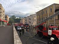 Крупный пожар произошел в торговом центре под Петербургом (ВИДЕО)