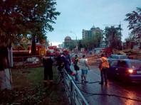 Из-за урагана в Центральном районе Барнаула введен режим ЧС