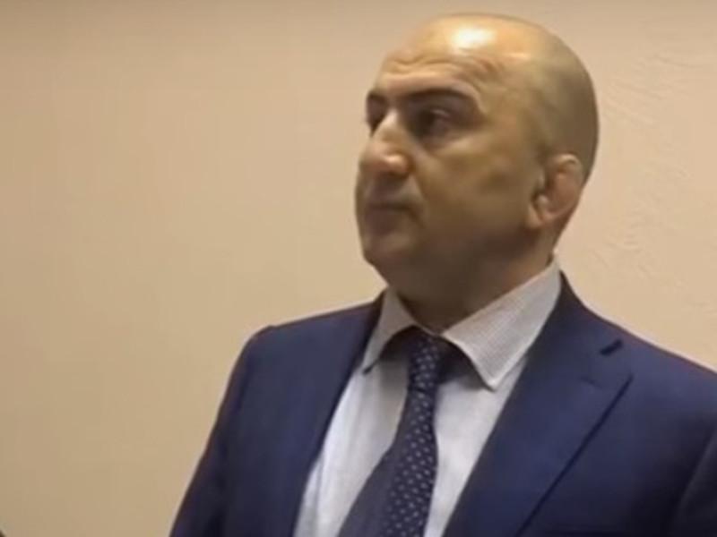 СМИ стали известны подробности дела, в рамках которого был задержан начальник оперативно-разыскной части собственной безопасности МВД Дагестана полковник полиции Магомед Хизриев
