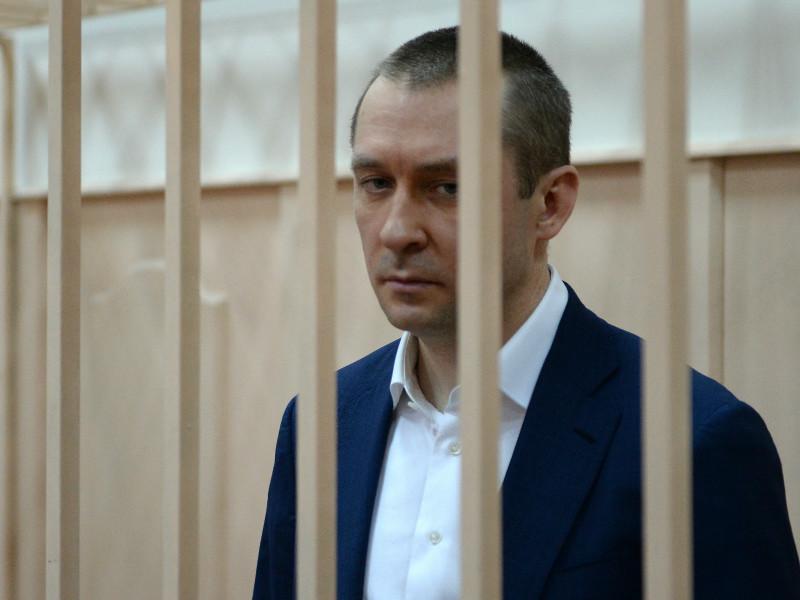"Владельца ресторана La Maree, ""разоблачившего"" полковника Захарченко, взяли под госзащиту"
