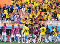 Болельщик из Колумбии лишился работы после алкогольного трюка с биноклем на стадионе в Саранске (ВИДЕО)
